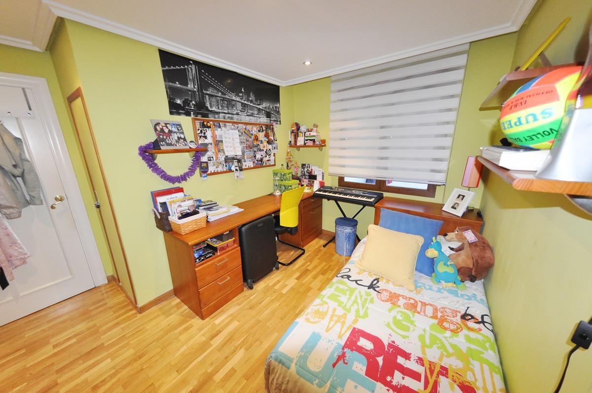 Dormitorio en madera de pino